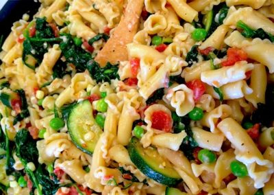 prepared meal summer vegetable and chicken pasta
